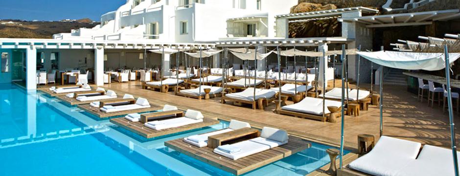 Prenotare un hotel a Santorini