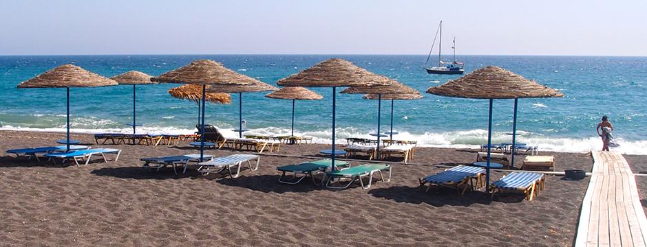 Spiaggia di Perissa a Santorini